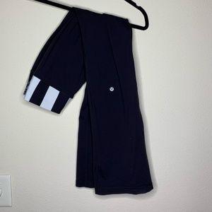 Black lululemon groove pants size 6